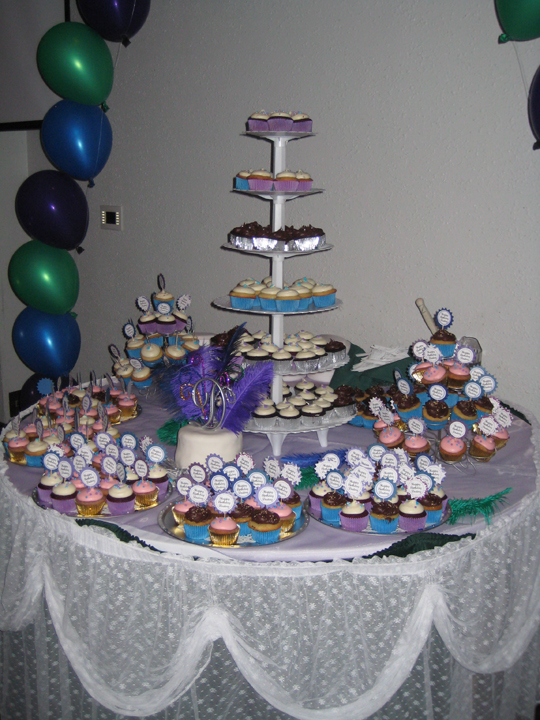 QuinceaneraQuinceanera Cakes With Cupcakes